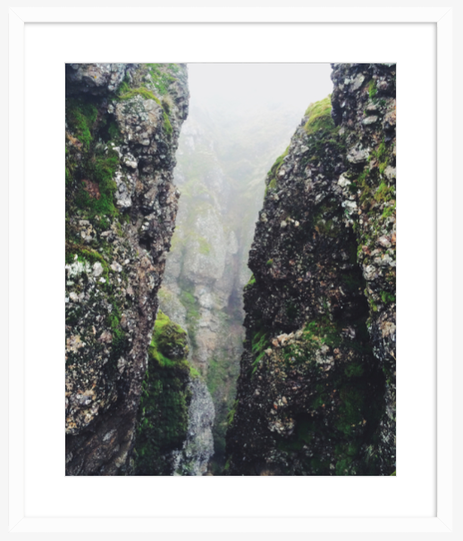 Mist&Moss_Whiteframe_NicoleMark.png